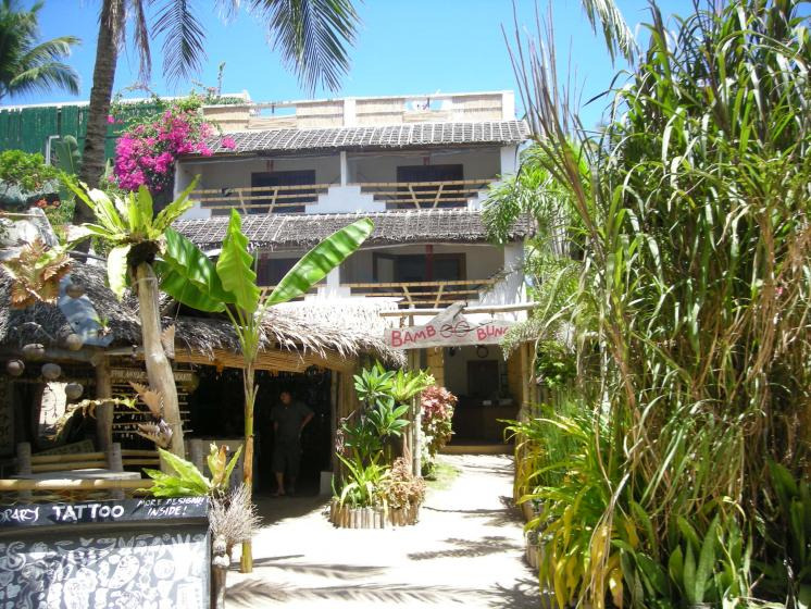 bamboo bungalows boracay